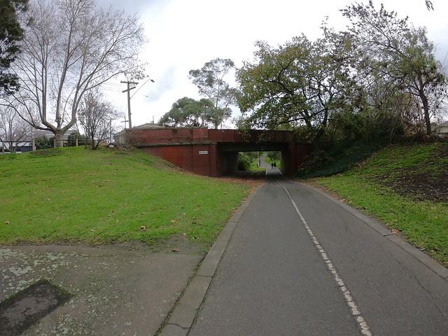 Outer Circle Trail at Rubens Grove bridge, Deepdene