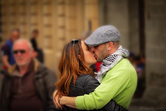 Che sia San Valentino tutti i giorni, ogni giorno è quello giusto per amarsi. - That it is Valentine's Day every day, every day is the right one to love each other.