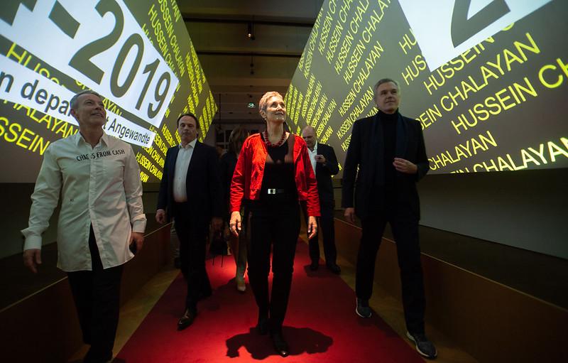 """13. Februar 2020: Eröffnung der MAK-Ausstellung """"SHOW OFF. Austrian Fashion Design"""" mit Staatssekretärin Ulrike Lunacek"""