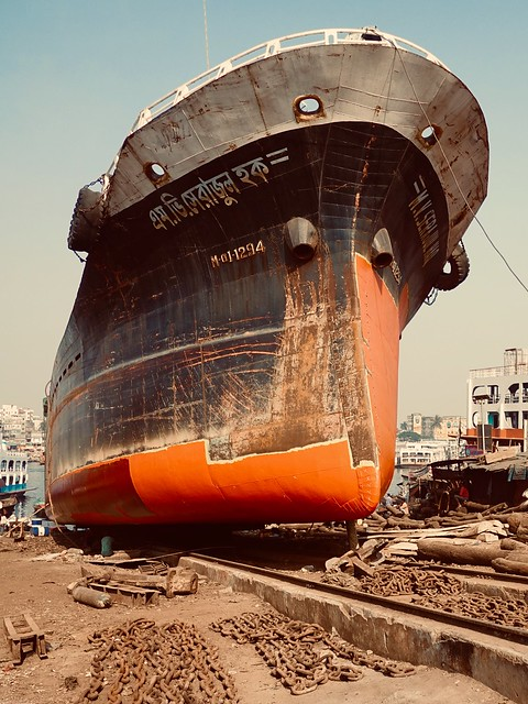 Keraniganj - home of broken boats, in need of repainting or rebuilding.