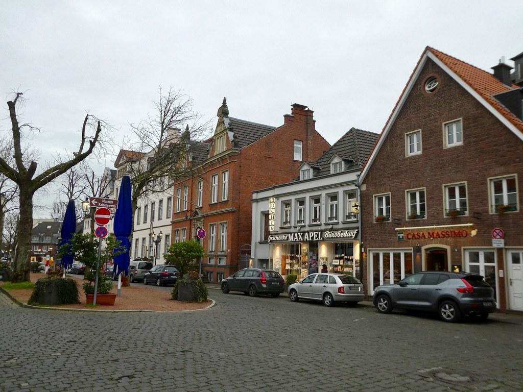 Kaiserwerth Markt, Dusseldorf