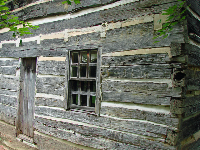 1800's Built Cabin Showing Corner Joints and Header Construction ...