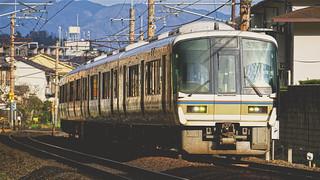 JR西日本221系電車