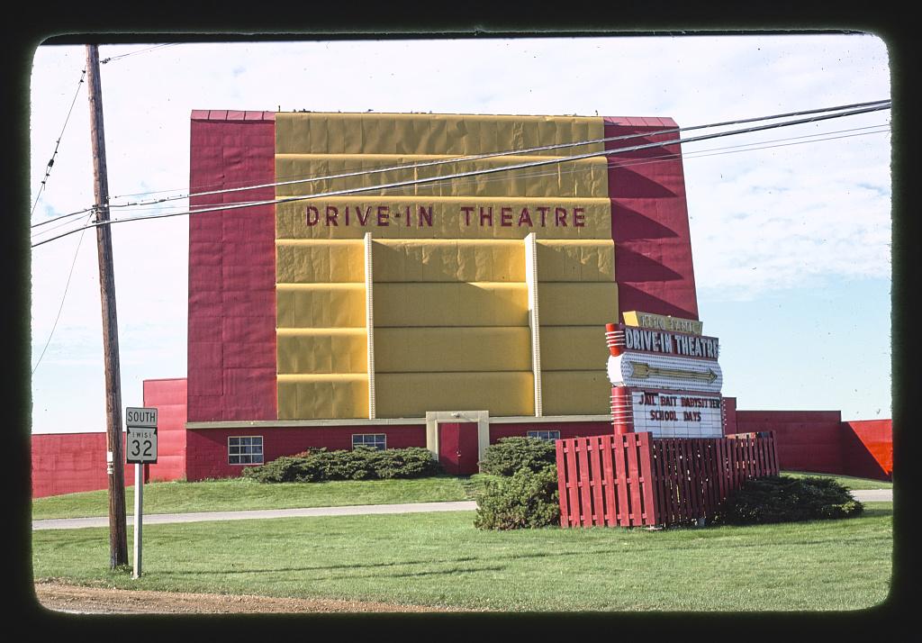 Drive-in Theater, Route 32, Kenosha, Wisconsin (LOC)