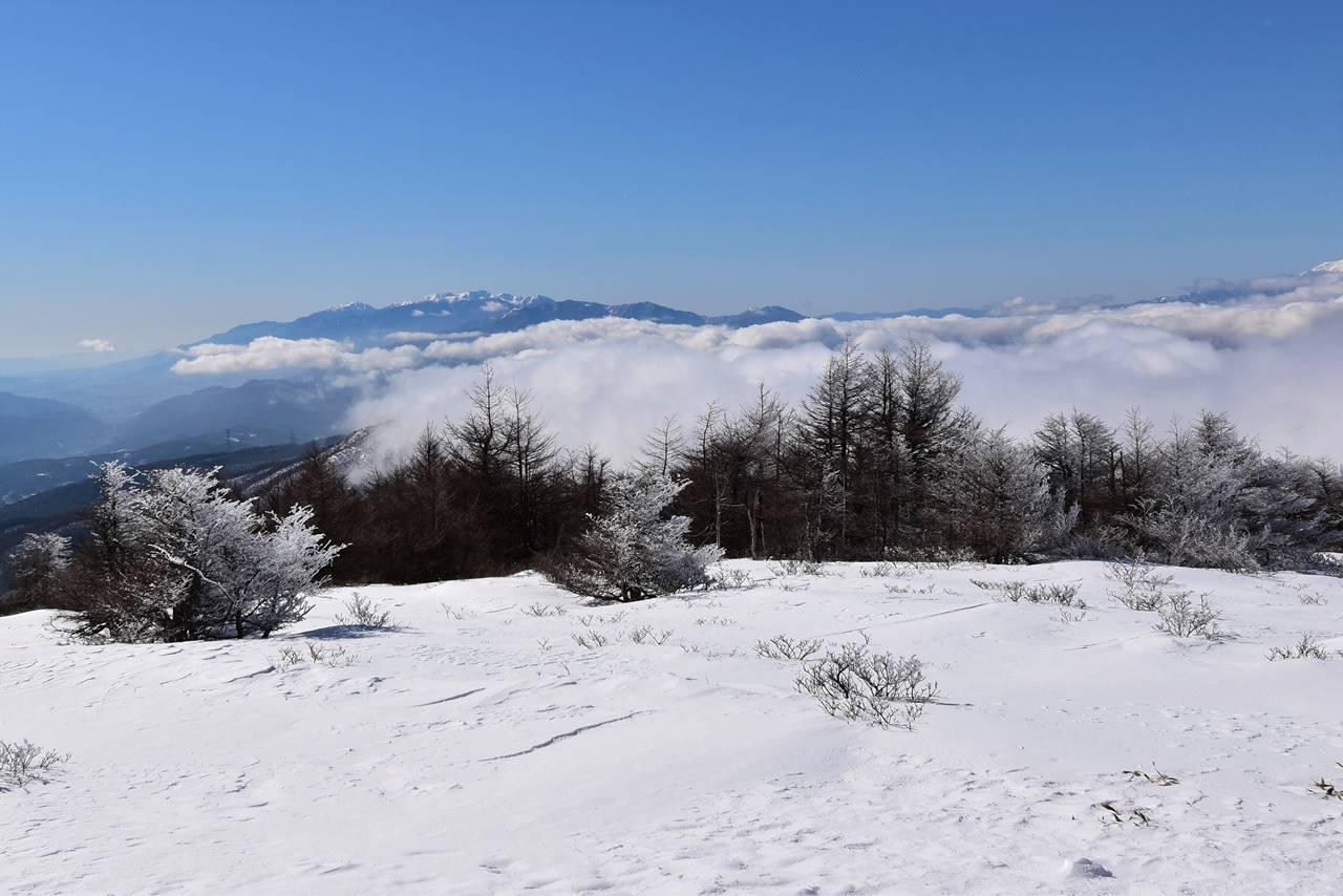 鉢伏山山頂から眺める中央アルプス