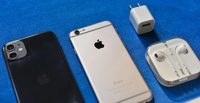 Set of Apple smartphone (iPhone 6 & 11)