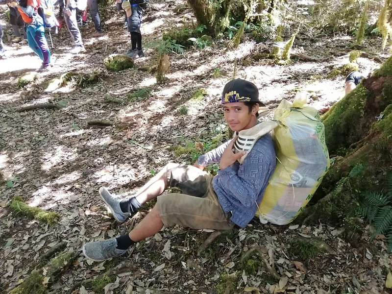 Hiking in the Philippines: Porter