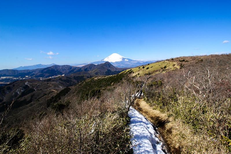 明神ヶ岳の稜線