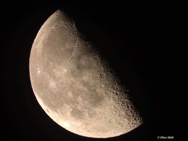 DSCN6163 shooting the moon