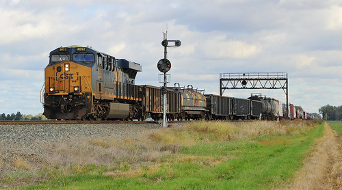CSX Q351 at South Deshler