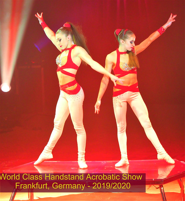 Sisters - Wold Class Handstand Acrobatic Show - Circus Carl Busch - Frankfurt, Germany