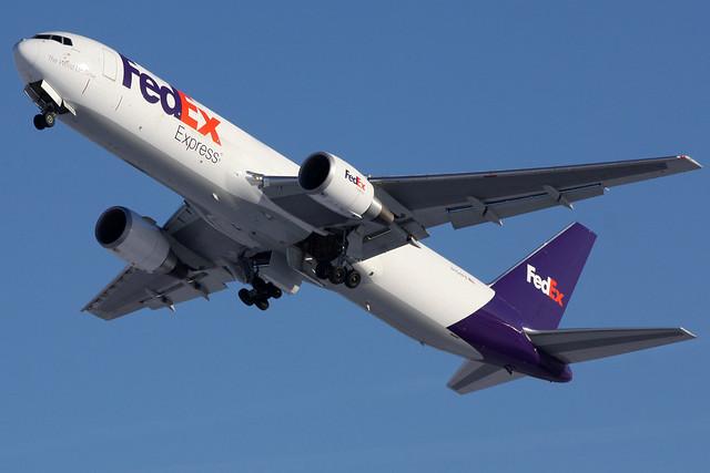 N154FE FedEx Express 767-3S2F(ER) leaving KCLE