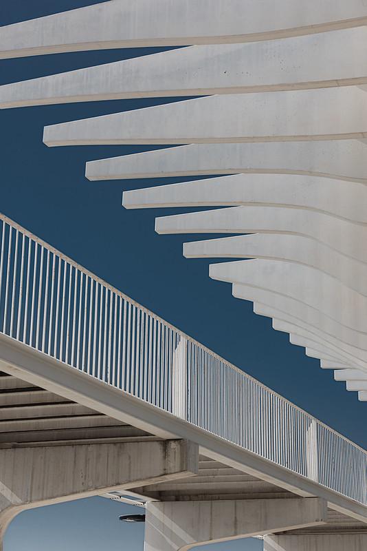 Minimalist Arch in Malaga