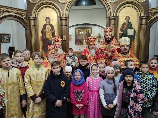 Божественная литургия в храме сщмч. Владимира г.Ирпень