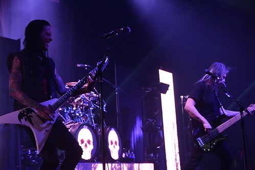 Why You Need to See Queensrÿche Live