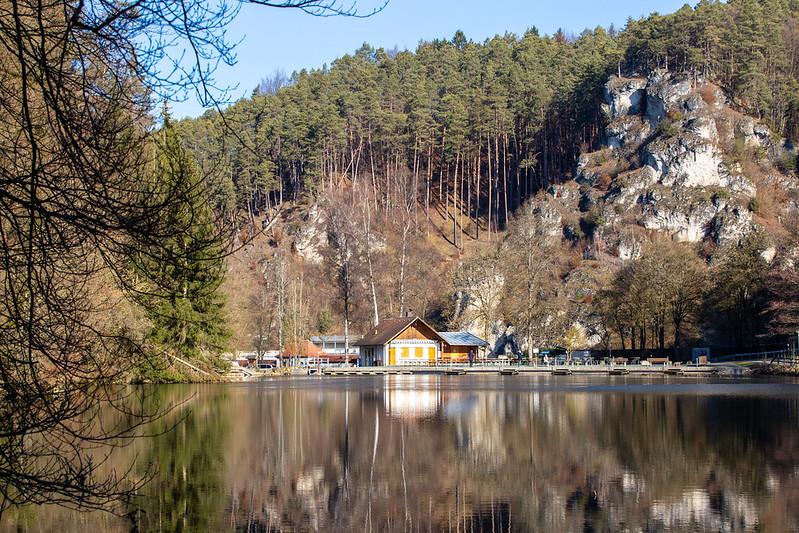 Am See in Pottenstein.