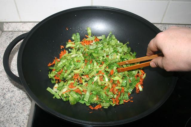 36 - Pak Choi Blätter andüsten / Braise pak choi leafs