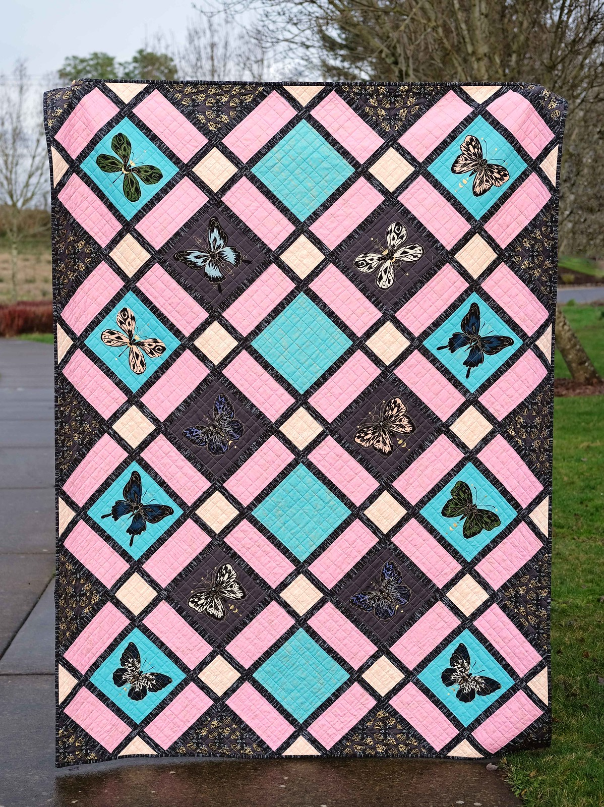The Delilah Quilt Pattern - Kitchen Table Quilting