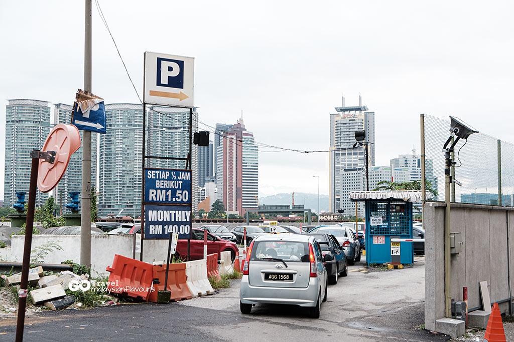 Saloma Link Bridge parking