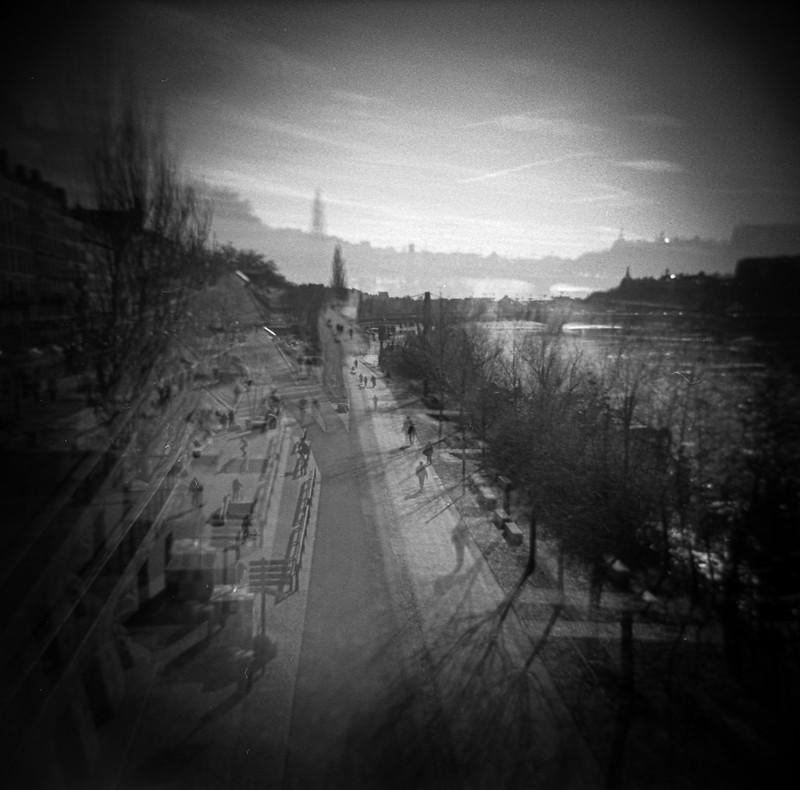 Lyon - Holga blinks