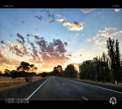 sunrise wa road travel commute tomraven aravenimage australia q12020 mimix35g