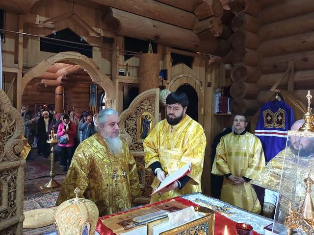 Божественная литургия в храме Успения Пресвятой Богородицы с.Коцюбинского