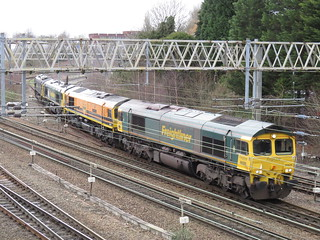 66525 66413 66524 & 66538 at Heaton Norris / Stockport, i missed the 70 / 66 other convoy lol ohwell 16/02/2020