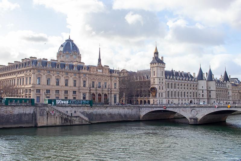 Conciergerie, leggende di Parigi