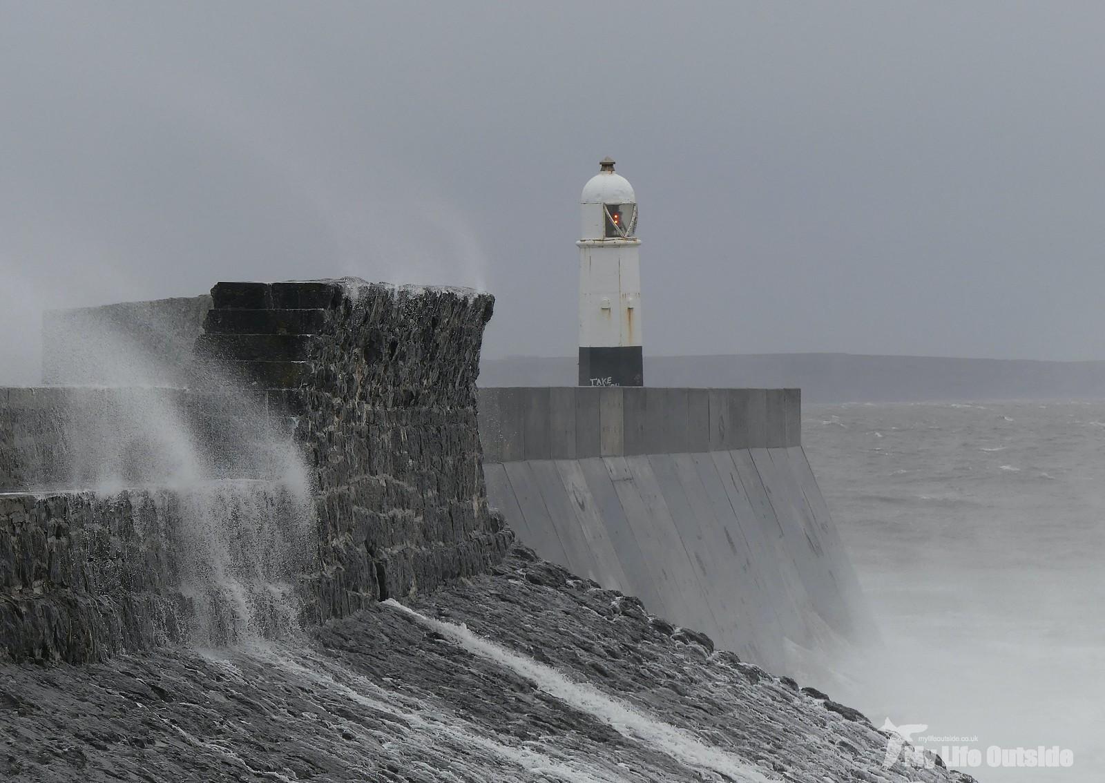 P1230377 - Storm Dennis, Porthcawl