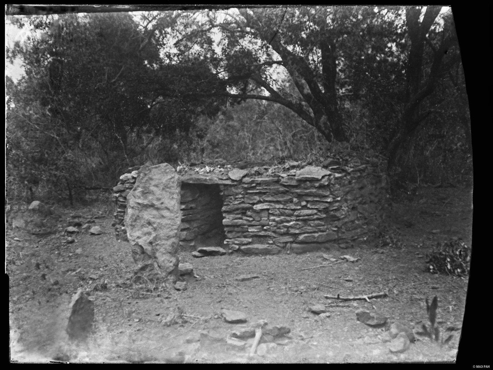 05. Захоронение оромо, сложенное из камней
