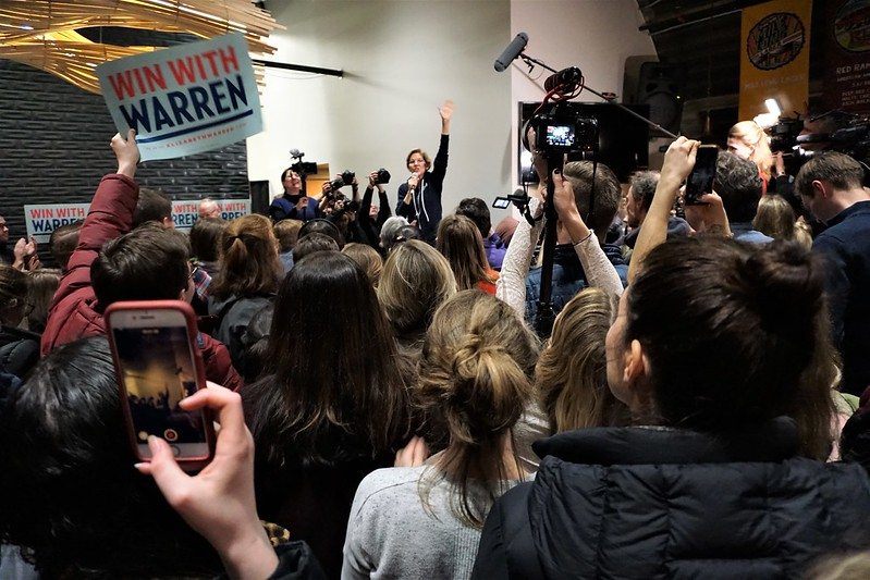 Meet & Greet with Elizabeth Warren at Peach Tree Brewing in Des Moines, Jan. 31, 2020 - 2020 Iowa Caucus