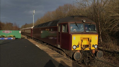 37516 Failed 57601 + 57314 on the Northern Belle powering up from the rear at Denton 16/02/2020