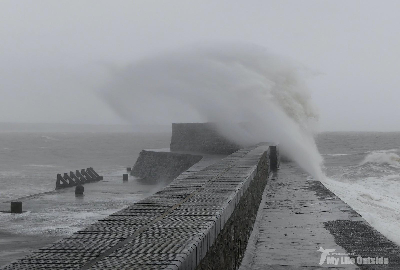 P1230464 - Storm Dennis, Porthcawl