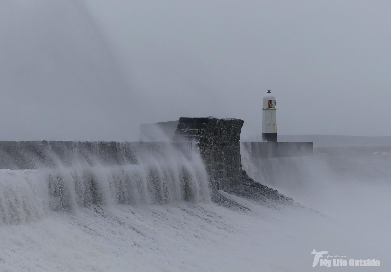P1230427 - Storm Dennis, Porthcawl