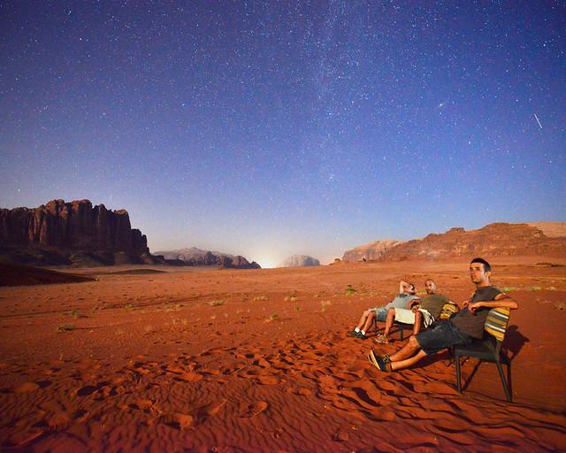 La Vía Láctea sobre el desierto de Wadi Rum
