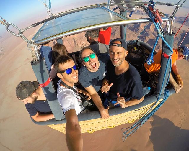 Globo por Wadi Rum, un imprescindible que hacer en Jordania
