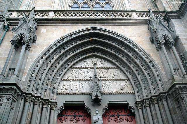 Tympan de la cathédrale Saint-Pierre, Vannes