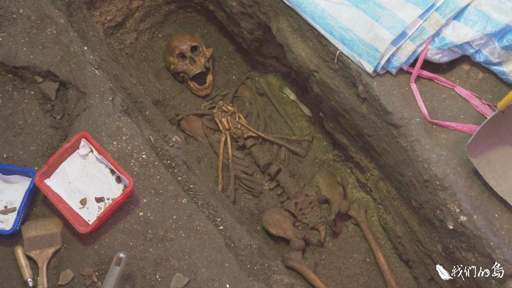 2016年發掘出教堂的一角與四具墓葬,除了歐洲人遺骸,還發現原住民孩童的甕棺。