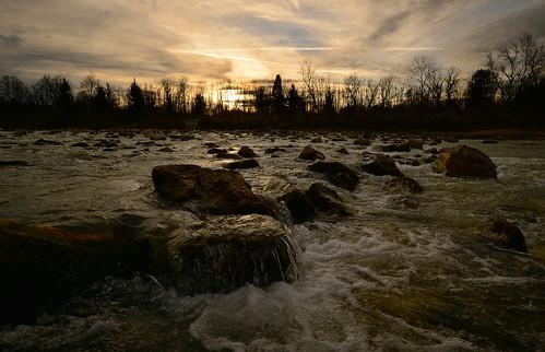 germany river bayern deutschland bavaria rocks steine isar weir wehr flus ismaning stromschnelle sohlrampe trees sunset sonnenuntergang bäume renaturiert ©allrightsreserved rapids nature natur