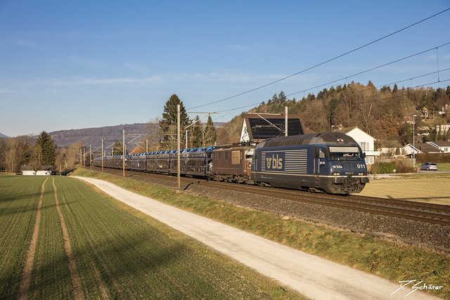Re 465 011 + Re 425 185
