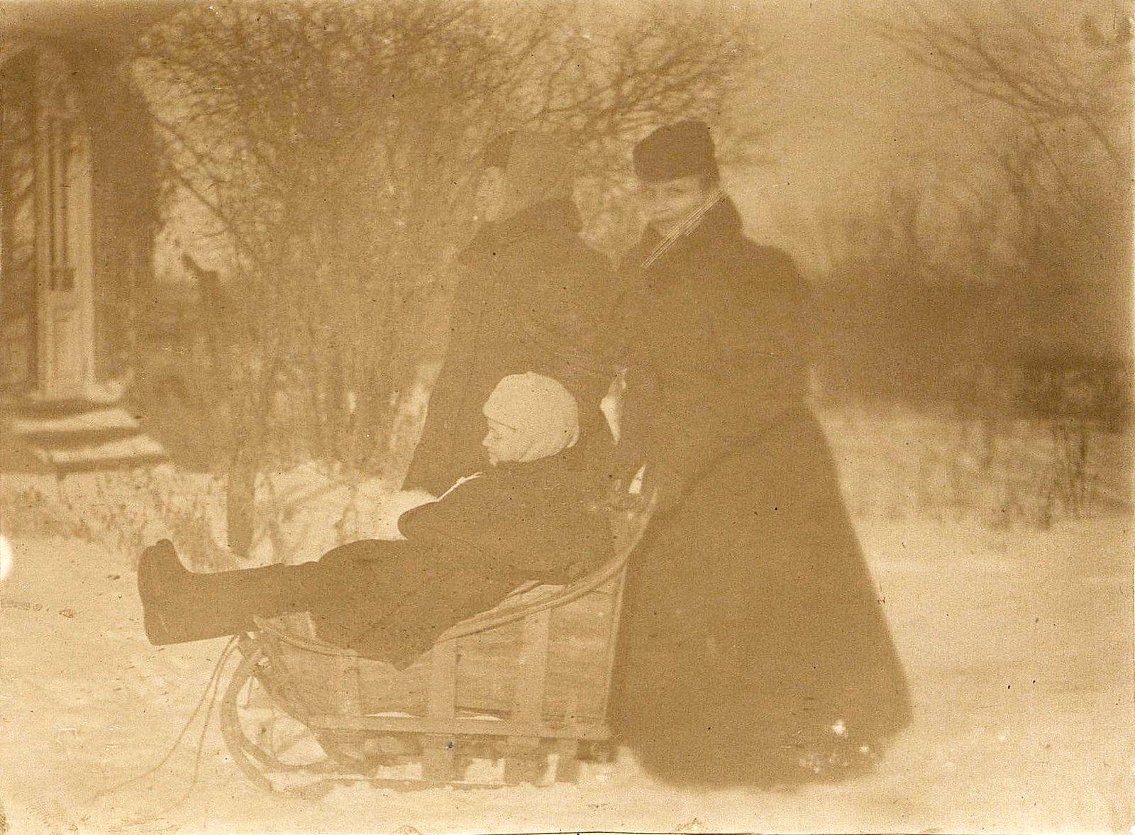 17. Савельева Наталья Алексеевна, жена управляющего заводом Завьялова. 1890-е