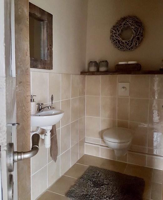 Houten plank toilet woonboerderij
