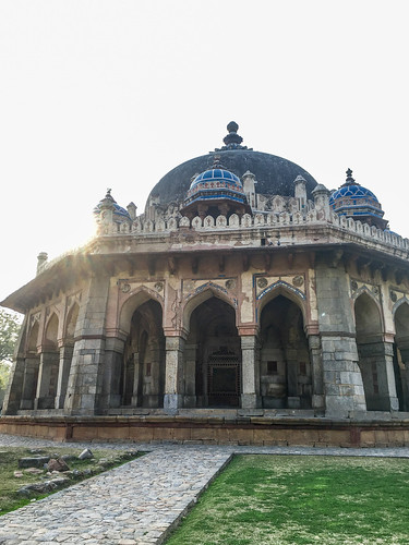 Isa Khan's Tomb | by Tugging the Luggage