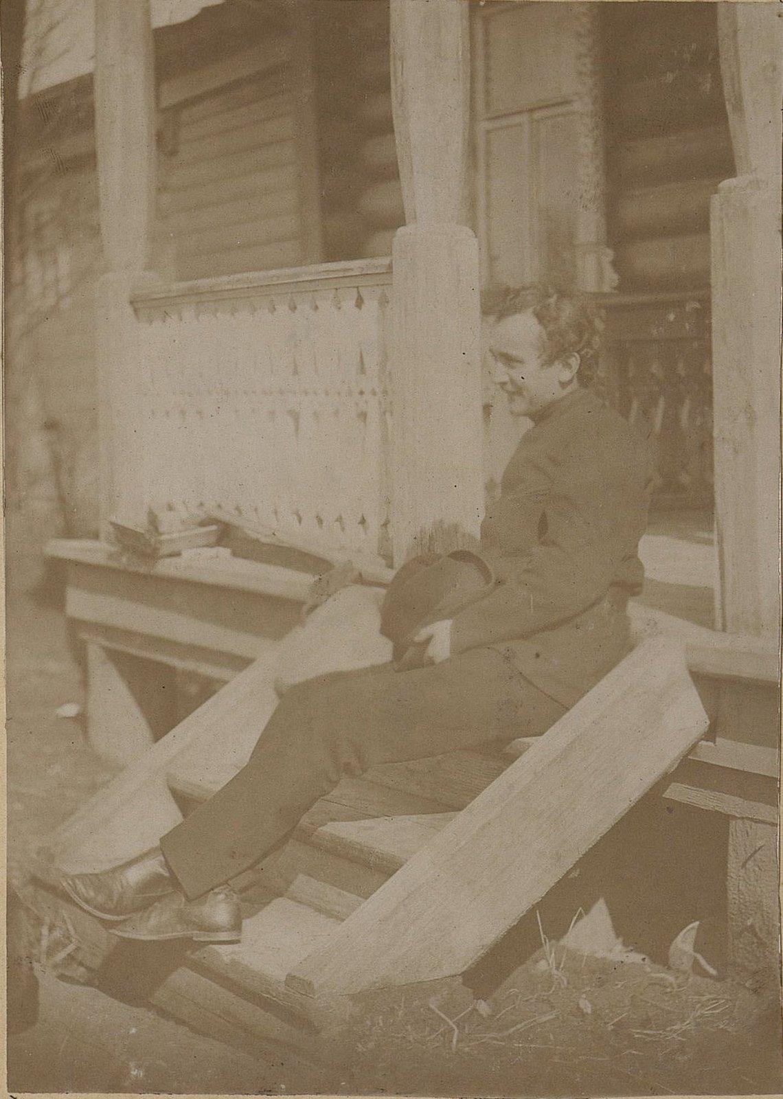 28. Савельев, сын управляющего заводом Завьялова. 1890-е