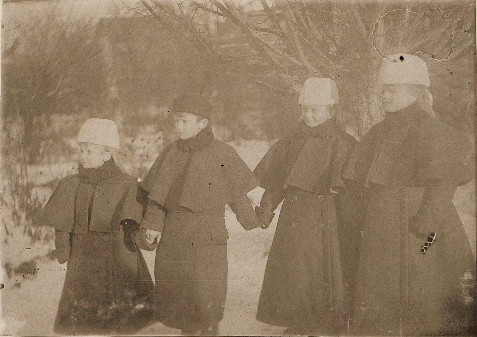 18. Дети Савельева Н.А. 1890-е