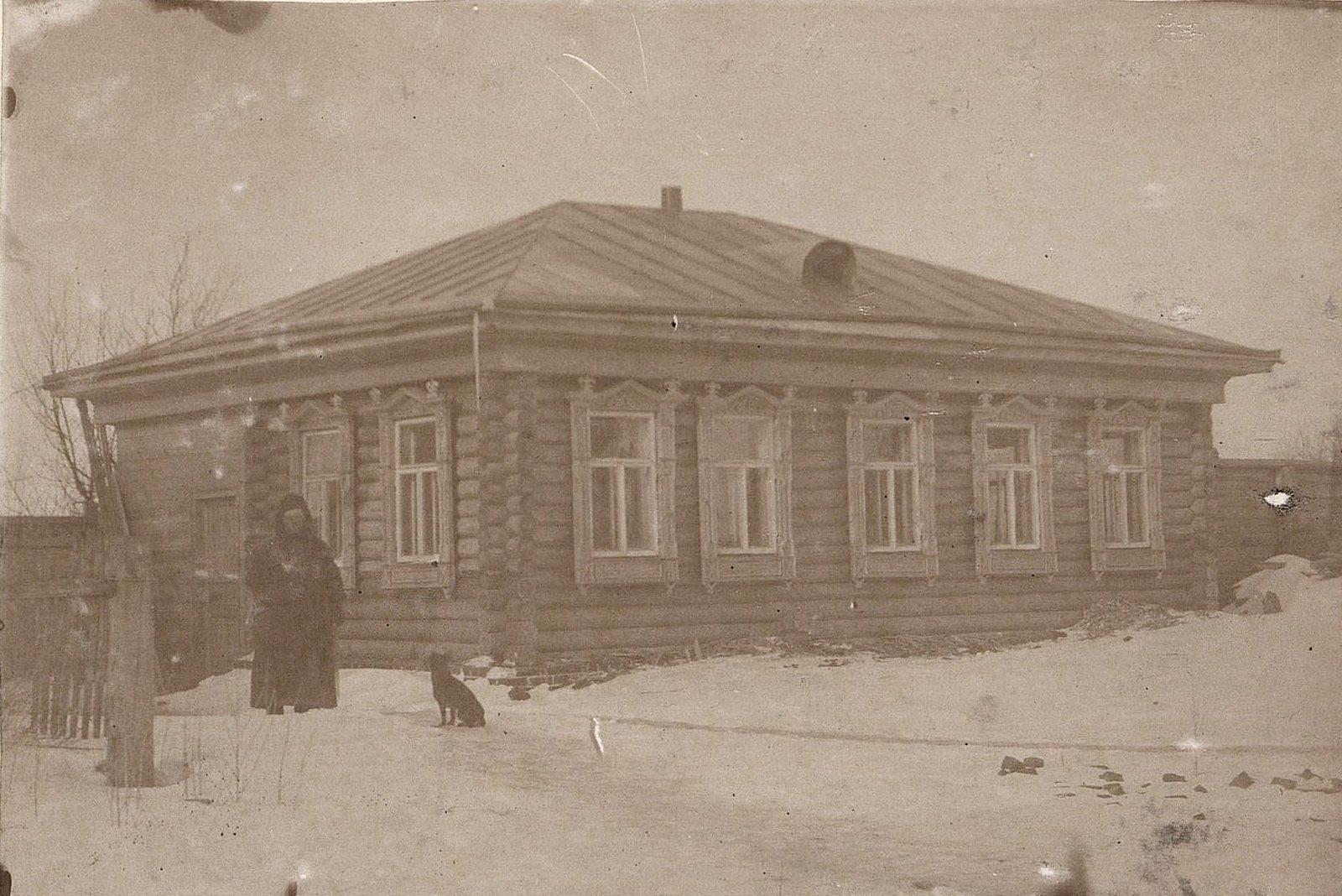 16. Дом, в котором жил главный бухгалтер завода Завьялова. 1890-е