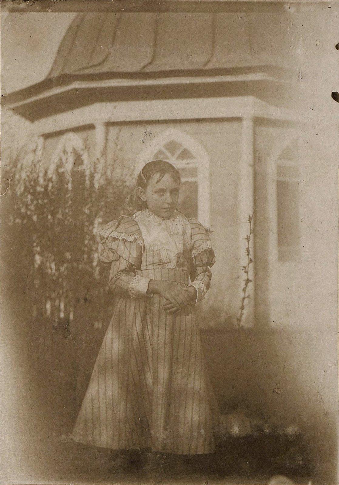 09. Неизвестная девушка. 1890-е