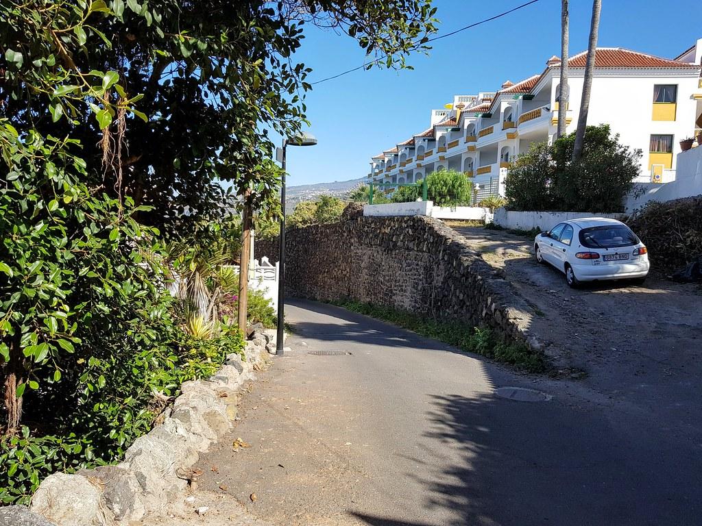 Start of walk from Puerto de la Cruz to Playa Bollullo