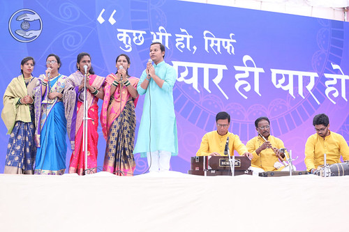 Marathi song by Darshana Kadam Ji and Saathi, Vithalwadi, MH