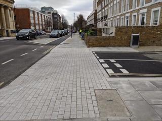 Craddock St junction and informal crossing